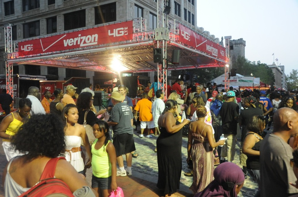 Verizon at Jacksonville Jazz Festival (tags: #Verizon, #JaxJazzFest)